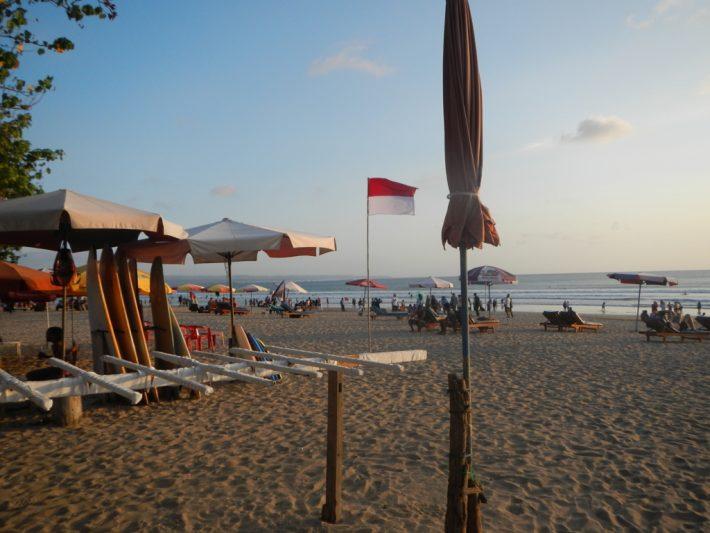バリの広いビーチ