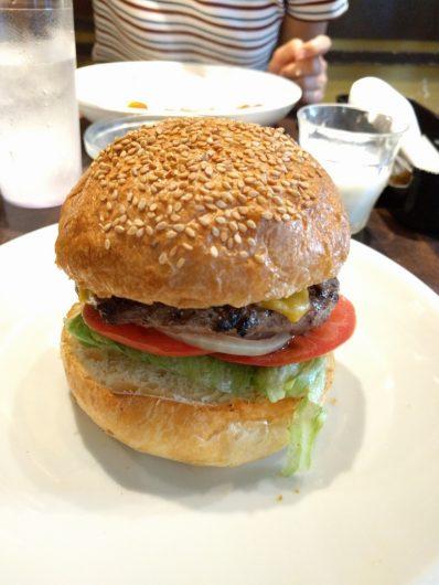 横須賀の美味しいネイビーバーガー