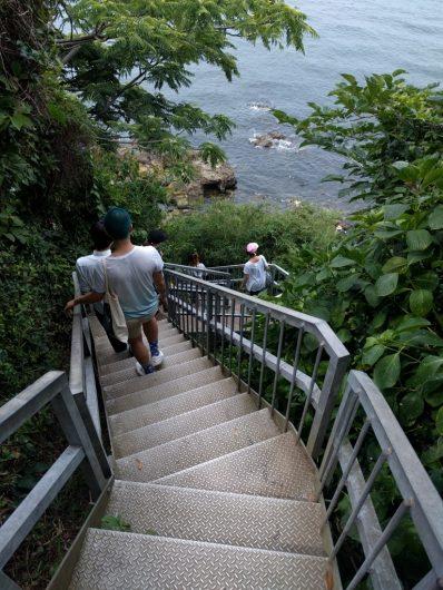 猿島にある急な階段