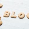 BLOGと並べられたクッキー