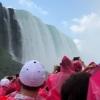 クルーズ船からのナイアガラの滝の眺め